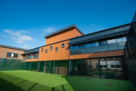 Cladding lends calming appearance to new Cygnet Hospital